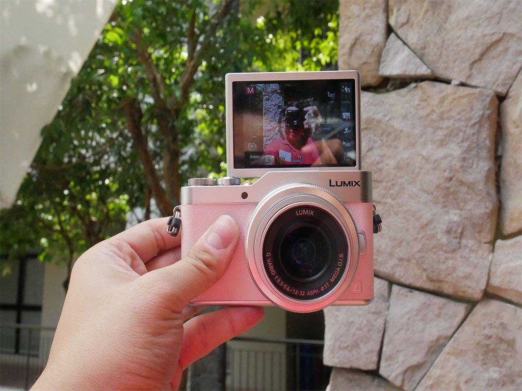 Panasonic DC-GF9 camera